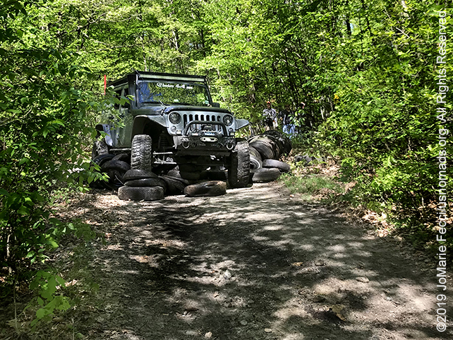 PA_May2019_0511_TrailCleanup_MikesJeepontiresdistant-crop_IMG_6504_650w