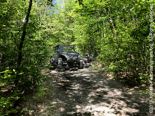 PA_May2019_0511_TrailCleanup_MikesJeepontiresdistant_IMG_6504_650w