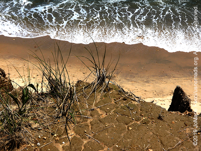 NY_JUN2019_0622_LI_EastEnd-Shadmoor_Cliffs_beachgrasscliffedgewater_DSCN4799_650w