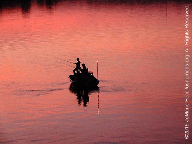PA_JUN2019_BantamRT-0606_CoopersLake-enroutetoBantam_fishermenonpinklakecloser2_DSCN4480_650w