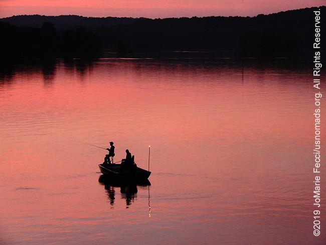 PA_JUN2019_BantamRT-0606_CoopersLake-enroutetoBantam_fishermenonpinklakeoverview_DSCN4482_650w