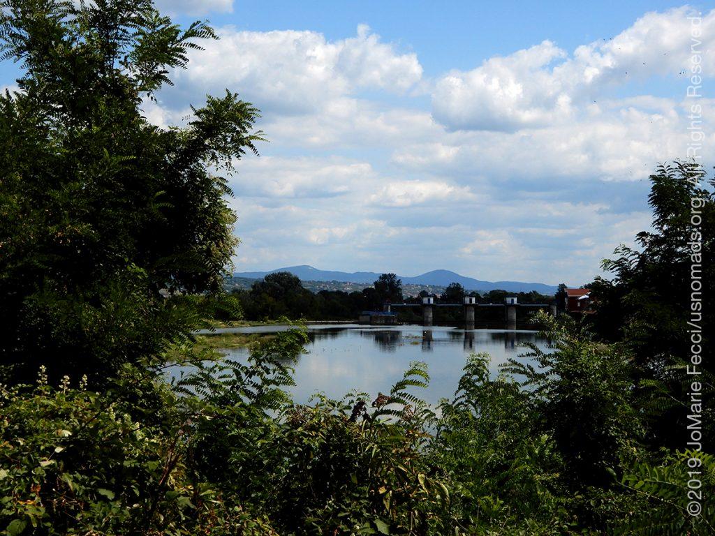 Serbia_Aug2019_Day07_roadtrip-gorge-damandrivermountainsbehind_DSCN6493_1200w