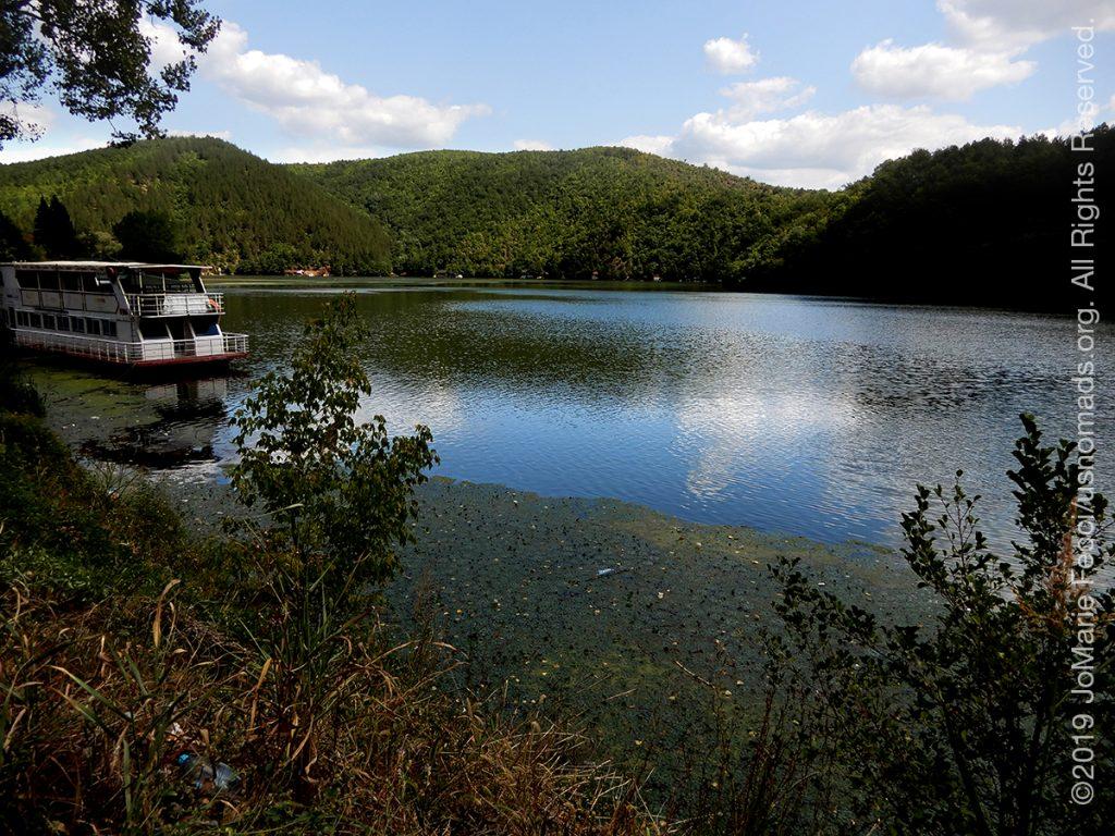 Serbia_Aug2019_Day07_roadtrip-gorge-riverwithboattieddown_DSCN6500_1200w