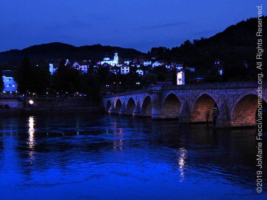 Serbia_Aug2019_Day07_roadtrip-visegrad-bridgeoverdrina-townbehindtwilight_DSCN6588_1200w