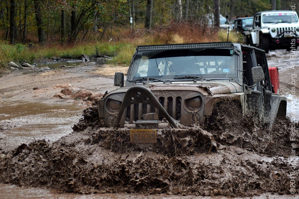 PA_SEP2019_WWD_0928-mud-angryjeepexitingmud_DSC_0256_1200w