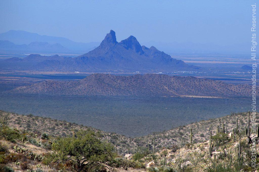 AZ_LONtrip_OCT2019_1005-Day03-TucsonRR_PicacchoPeakfromValley_DSC_0531_1200w