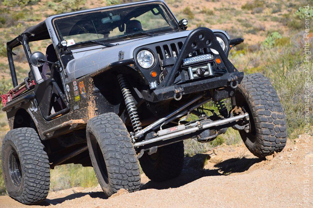 AZ_LONtrip_OCT2019_1005-Day03-TucsonRR_flexyangleonaggressivelookingjeep_DSC_0440_1200w
